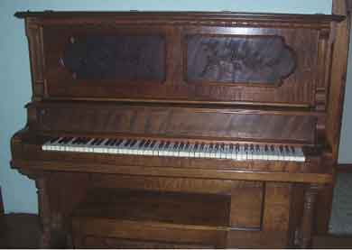 Huntington-Upright-Piano
