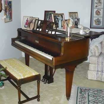 1933 Apollo Baby Grand Piano For Sale in Fishers Indiana