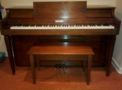 1976 Baldwin Spinet Without The Acrosonic Name on It