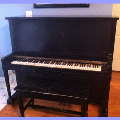 1925 Bush & Gerts Upright Piano For Sale in Memphis