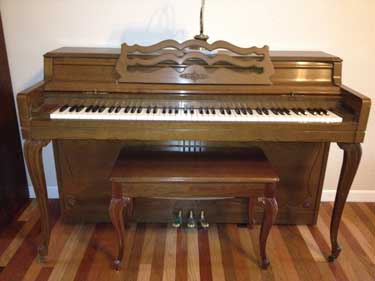 1969 Wurlitzer French Provincial Spinet Piano for Sale in White House, Tn