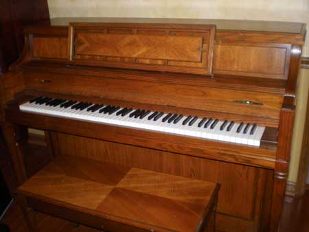 Yamaha Console Piano for Rent in Memphis Tn